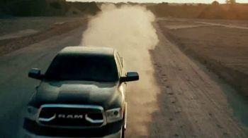 Ram Trucks TV Spot, 'Tu respondes' [Spanish] [T1] - Thumbnail 5