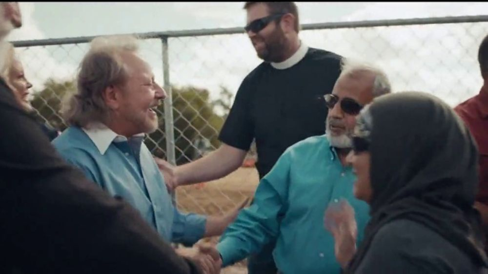 MassMutual TV Commercial, 'The Unsung: Community Supports Muslims'