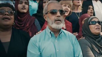 MassMutual TV Spot, 'The Unsung: Community Supports Muslims' - Thumbnail 8