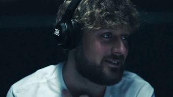 JBL Wireless Headphones TV Spot, 'Convenience Store' - Thumbnail 8