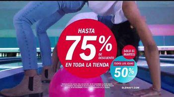 Old Navy TV Spot, 'Boliche' canción de MEN$A [Spanish] - Thumbnail 9