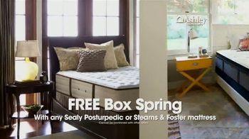Ashley HomeStore New Year's Mattress Sale TV Spot, 'Free Box Spring' - Thumbnail 2