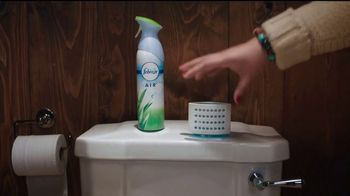 Febreze TV Spot, 'Is Your Bathroom Ready?' - Thumbnail 8