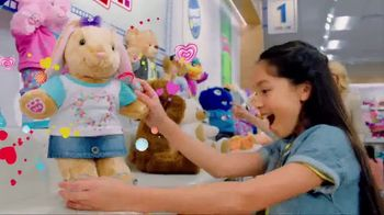 Build-A-Bear Workshop TV Spot,'Valentine's Day: A Gift With Heart' - Thumbnail 3