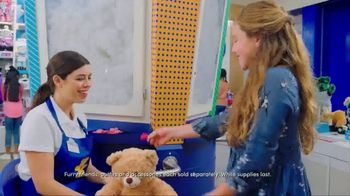 Build-A-Bear Workshop TV Spot,'Valentine's Day: A Gift With Heart' - Thumbnail 5