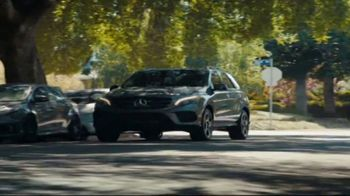 2018 Mercedes-Benz GLE TV Spot, 'Sneak Attack' [T2] - Thumbnail 6