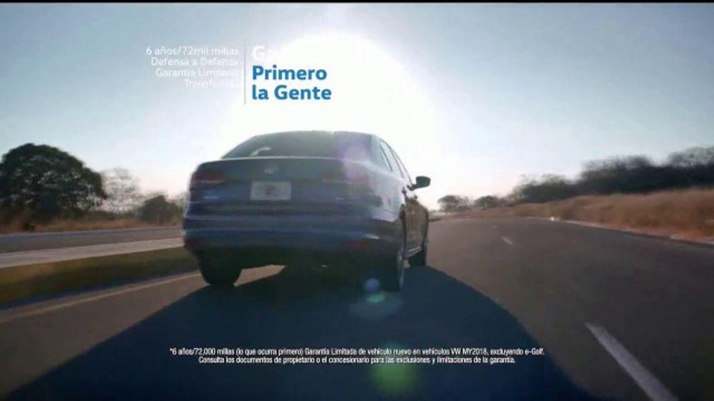 2018 Volkswagen Jetta TV Commercial, 'Desapercibido ...