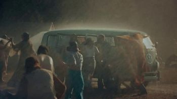 Volkswagen People First Warranty TV Spot, 'Rain' Song by Joe Cocker [T1] - Thumbnail 5