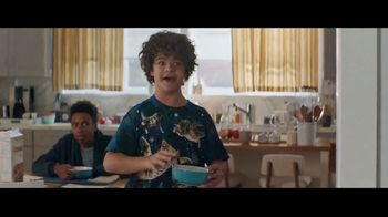 Fios by Verizon TV Spot, 'Binge Weekend' Featuring Gaten Matarazzo - Thumbnail 4