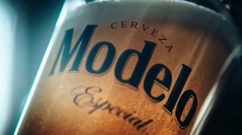 Modelo Especial TV Spot, 'Luchando por el honor' [Spanish] - Thumbnail 7