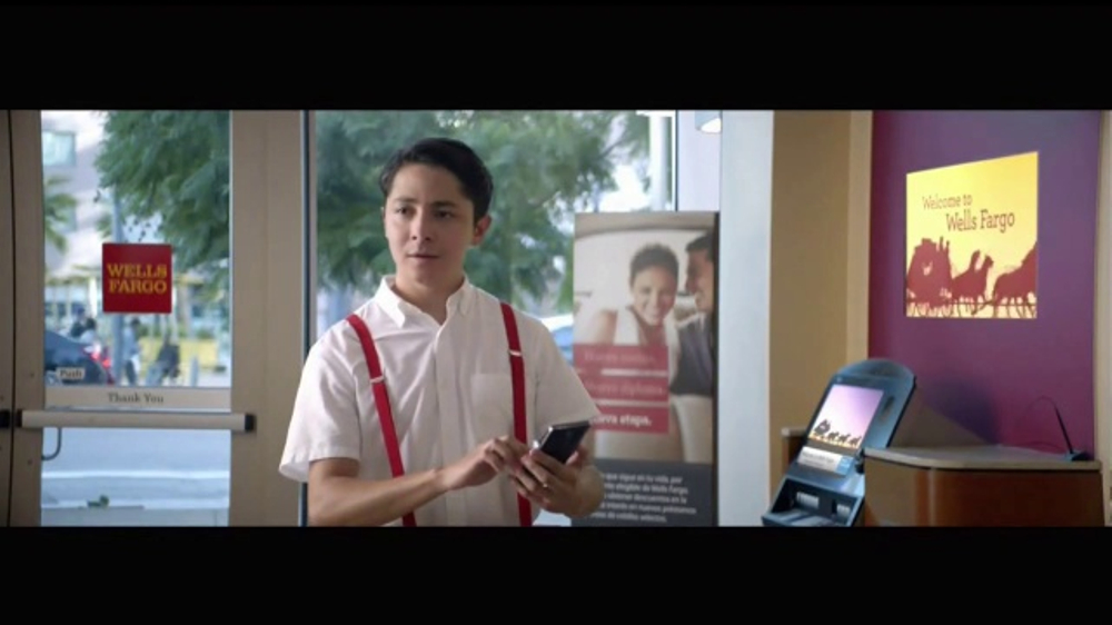 Wells Fargo App TV Commercial, 'Mascot' [Spanish] - Video