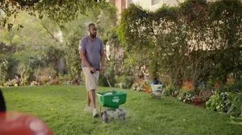 Scotts Turf Builder TV Spot, 'Bill's Yard' - Thumbnail 8