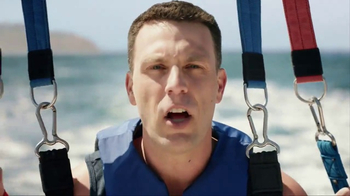 Navy Federal Credit Union GO REWARDS Credit Card TV Spot, 'Parasailing' - Thumbnail 1