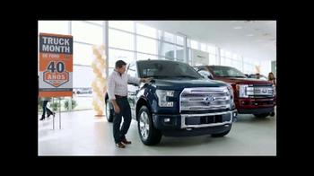 Ford Truck Month TV Spot, 'Imaginar: 2017 F-150 XLT' [Spanish] [T2] - Thumbnail 2