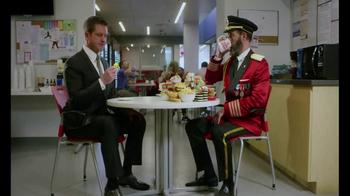 Hotels.com TV Spot, 'Draft Day' - Thumbnail 8