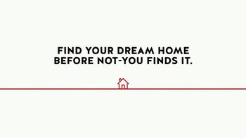 Realtor.com TV Spot, 'Housewarming & the Not-Yous' Feat. Elizabeth Banks - Thumbnail 8