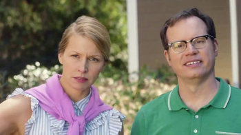 Realtor.com TV Spot, 'Housewarming & the Not-Yous' Feat. Elizabeth Banks - Thumbnail 4