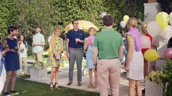 Realtor.com TV Spot, 'Housewarming & the Not-Yous' Feat. Elizabeth Banks - Thumbnail 7