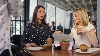 Realtor.com TV Spot, 'Cafe & the Not-Yous' Featuring Elizabeth Banks - Thumbnail 9