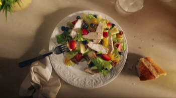 Panera Bread Salads TV Spot, 'So Much More Than Green' - Thumbnail 3