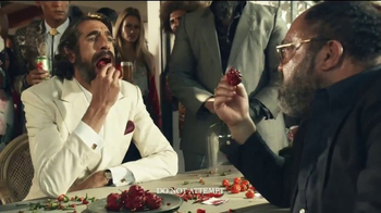 Dos Equis TV Spot, 'The Most Interesting Man Spices Things Up' - Thumbnail 3