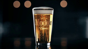 Modelo Especial TV Spot, \'The Fight for the Model Beer\'