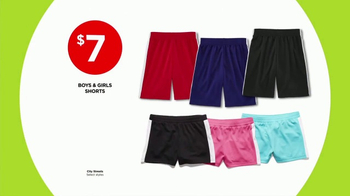 JCPenney Power Penney Days TV Spot, 'Towels, Shorts and Looks for Her' - Thumbnail 4