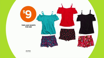 JCPenney Power Penney Days TV Spot, 'Towels, Shorts and Looks for Her' - Thumbnail 5