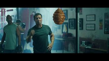 Tecate TV Spot, 'Atrevido' con Sylvester Stallone, Canelo Álvarez [Spanish] - Thumbnail 2