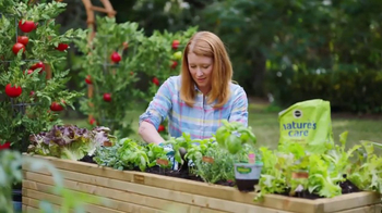 The Home Depot TV Spot, 'Hierbas y vegetales' [Spanish] - Thumbnail 1