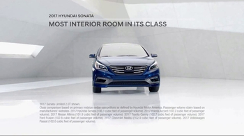 2017 Hyundai Sonata TV Spot, 'More Room' [T2] - Thumbnail 3