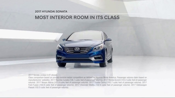2017 Hyundai Sonata TV Spot, 'More Room' [T2] - Thumbnail 4
