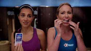 Crest 3D White Luxe Professional Effects Whitestrips TV Spot, 'No-Slip'