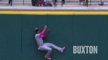 Major League Baseball TV Spot, 'This Season: Epic Catches' - Thumbnail 9