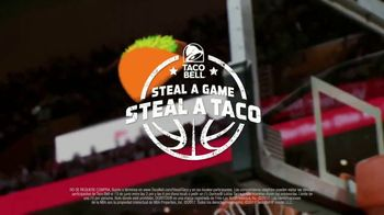 Taco Bell Steal a Game, Steal a Taco TV Spot, 'Tacos gratis' [Spanish] - Thumbnail 7