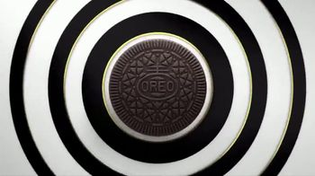 Oreo Thins TV Spot, 'Hypnotize' Song by Notorious B.I.G. - Thumbnail 3