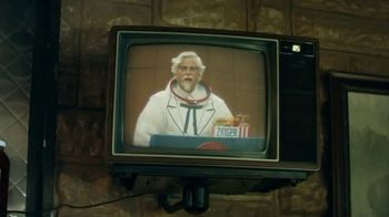 KFC Zinger Sandwich TV Spot, \'Announcement\' Featuring Rob Lowe
