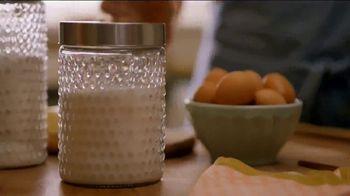 Pam Cooking Spray TV Spot, 'Bundt Cake' - Thumbnail 1