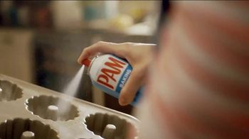 Pam Cooking Spray TV Spot, 'Bundt Cake' - Thumbnail 6
