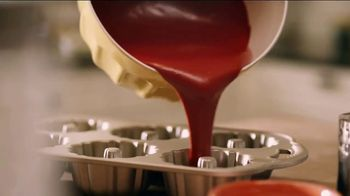 Pam Cooking Spray TV Spot, 'Bundt Cake' - Thumbnail 7