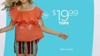 JCPenney Friends & Family Sale TV Spot, 'Now Trending' Song by MUNNYCAT - Thumbnail 3