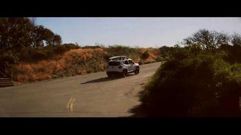 Jeep Summer of Jeep TV Spot, 'Renegade' canción de Bomba Estéreo [Spanish] [T1] - Thumbnail 6