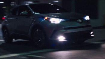 2018 Toyota C-HR TV Spot, 'Gingerbread Man' Song by American Gentlemen - Thumbnail 4