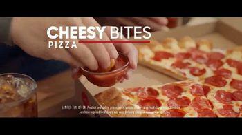 Pizza Hut Cheesy Bites Pizza TV Spot, 'Pizza Man' - Thumbnail 8