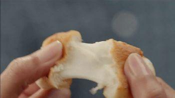 Pizza Hut Cheesy Bites Pizza TV Spot, 'Ion Television: Solve the Mystery' - Thumbnail 7
