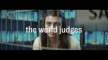 Planet Fitness TV Spot, 'The World Judges. We Don't: January Cat' - Thumbnail 6