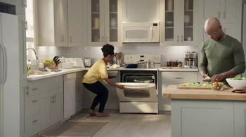 Lowe's TV Spot, 'The Moment: Oven Special Values' - Thumbnail 1