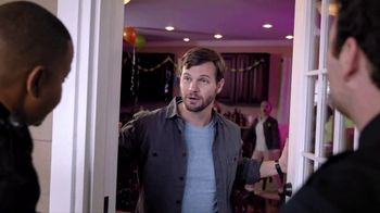 Clayton Homes Raise the Refund Sale TV Spot, 'House Party' - Thumbnail 3