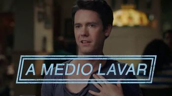 Ultra Downy TV Spot, 'A medio lavar' [Spanish]
