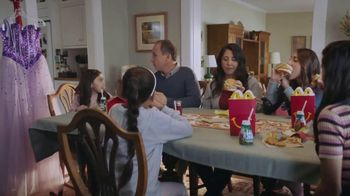 McDonald's $1 $2 $3 Dollar Menu TV Spot, 'Quinceañera' [Spanish] - Thumbnail 8